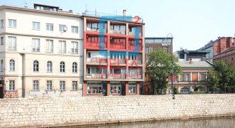 Namješten i adaptiran trosoban stan, Stari Grad