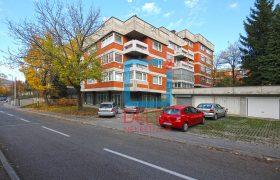 Garsonjera na prvom spratu, Koševsko brdo / Ciglane