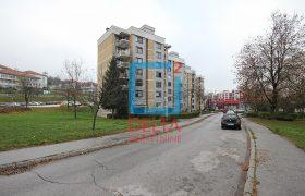 Adaptiran dvosoban stan 56m2, Mojmilo / Novi Grad