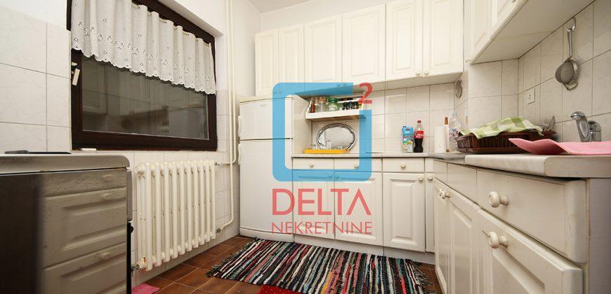Kuća sa pomoćnim objektom i okućnice 1.471 m2, Kiseljak