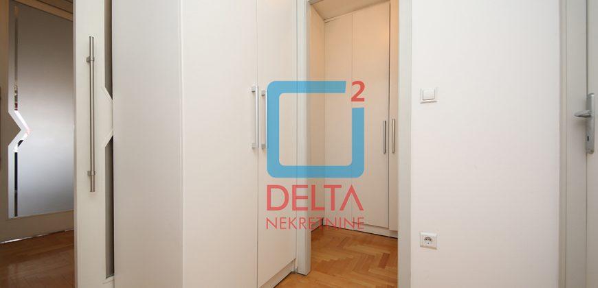 Adaptiran četverosoban stan na 3. spratu, Ciglane