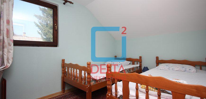 Kuća / vikendica na parceli 1370 m2, Gornje Vlakovo