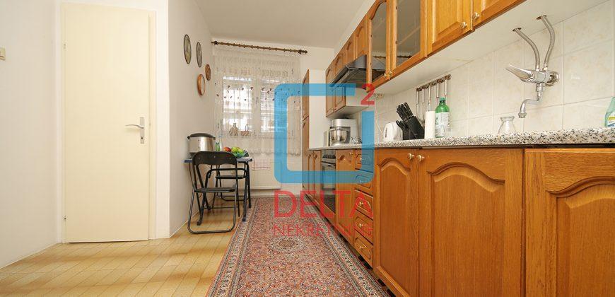 Kuća vrhunske kvalitete sa garažom, Lužani, Ilidža