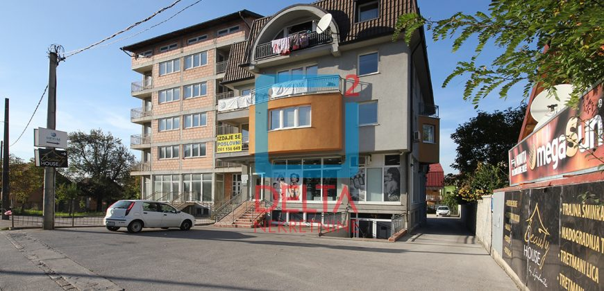 Poslovni prostor sa prostranim parkingom, Novi Grad