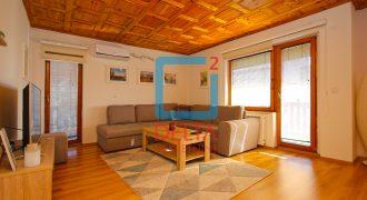 Adaptiran dvosoban stan u privatnoj kući, Dolac Malta