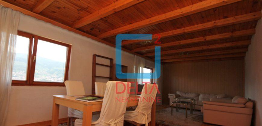 Dvosoban stan u privatnoj kući / Bjelave / Centar