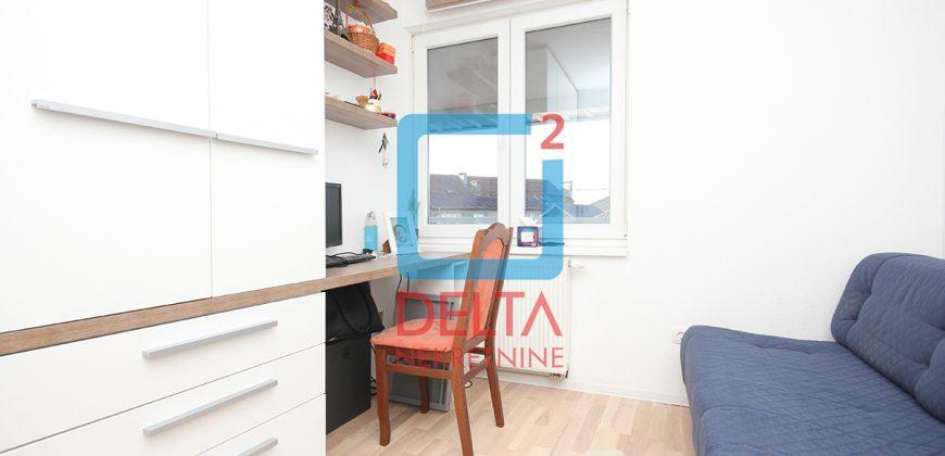 Adaptiran trosoban stan sa baštom, Novi Grad