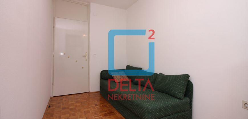 Četverosoban stan u mirnom dijelu grada, Breka / Centar