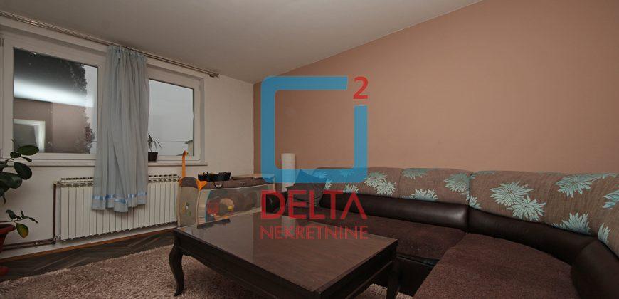Dvosoban stan na 1. spratu sa garažom, Pejton / Ilidža