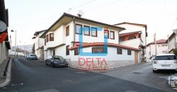 Namještena luksuzna kuća 300m2, sa garažom, Stari Grad
