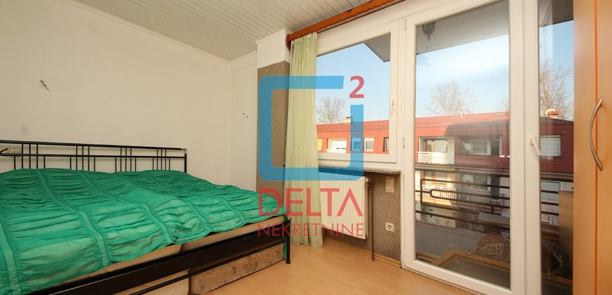 Petosoban stan na prvom spratu sa parking mjestom, Ilidža
