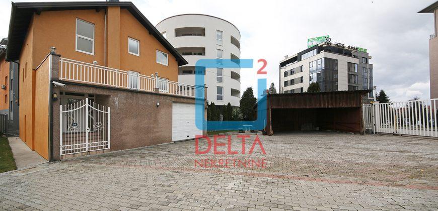 Atraktivna dvospratna kuća 222m2 sa garažom, Stup