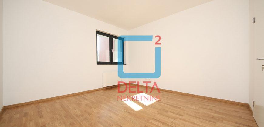 Četverosoban stan na drugom spratu, Lužani / Ilidža