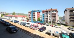 Trosoban stan na 4. spratu, Lukavica / Istočno Sarajevo