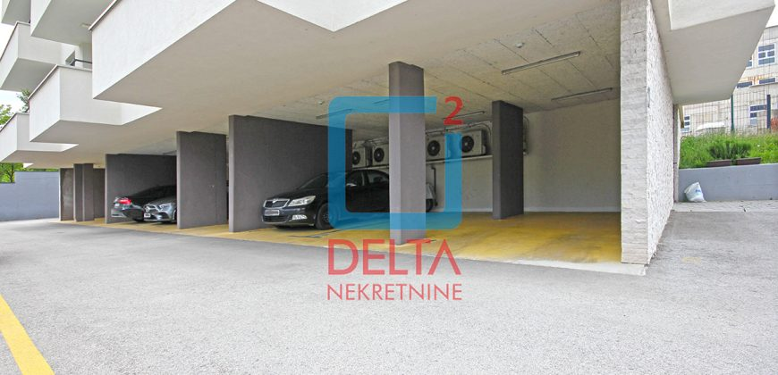 Trosoban stan sa privatnim parkingom, Šip / Centar