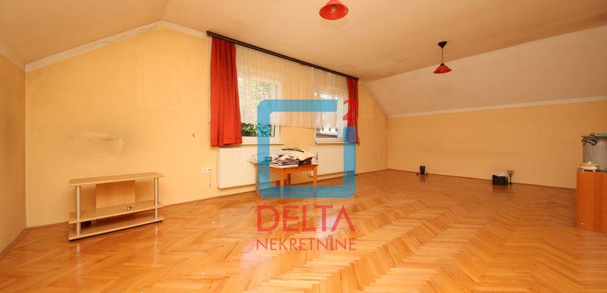 Prostrana kuća na parceli 350m2, Semizovac / Vogošća