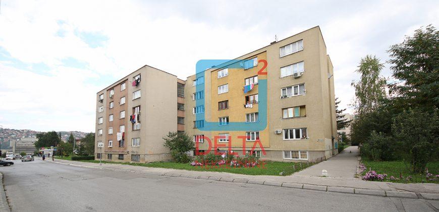 Adaptirana garsonjera, Švrakino selo / Novi Grad