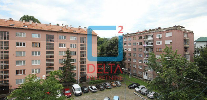 Dvosoban stan u blizini trolejbuske stanice, Grbavica