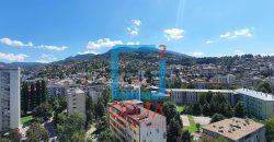 Trosoban stan u blizini Vilsonovog šetališta, Grbavica / Kovačići