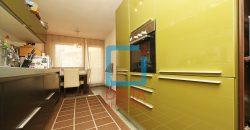 Petosoban stan u zgradi kvalitetne gradnje, Breka / Centar