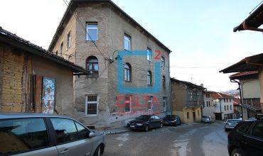 Dvosoban stan na trećem spratu, Alifakovac / Stari Grad