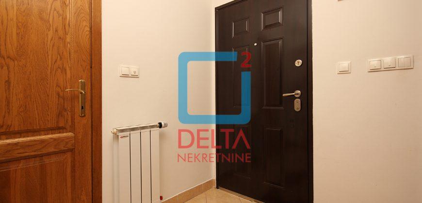 Dvosoban stan sa garažom, Buća Potok