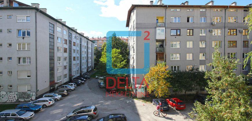 Adaptiran dvosoban stan 52m2, Grbavica