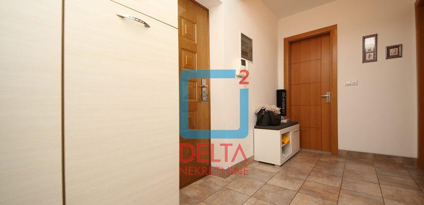 Atraktivan trosoban stan na 1. spratu, Pejton / Ilidža