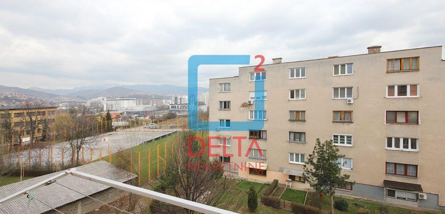 Garsonjera 28m2 na trećem spratu , Švrakino Selo