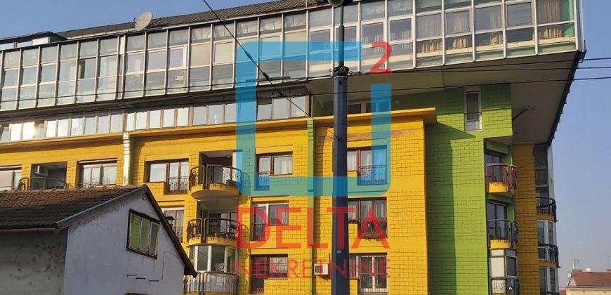 Adaptiran poslovni prostor 67m2, Stari Grad