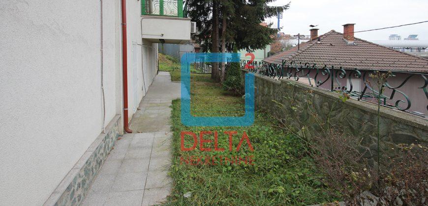 Atraktivan stan sa garažom, Grbavica / Novo Sarajevo