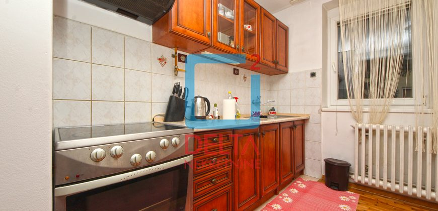 Adaptiran dvosoban stan sa garažom, Pejton / Ilidža