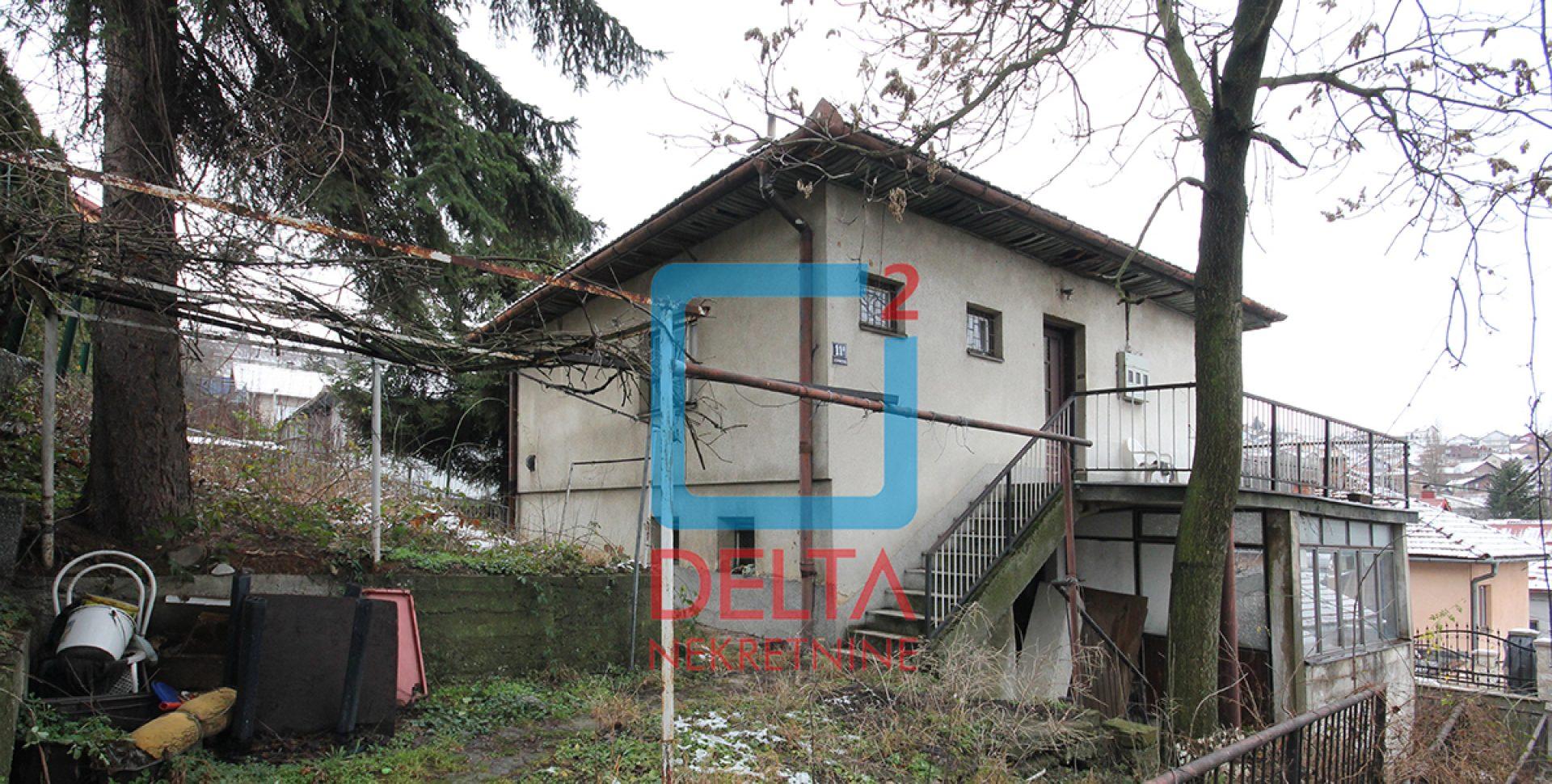 Kuća na odličnoj lokaciji, na parceli 330m2, Grbavica