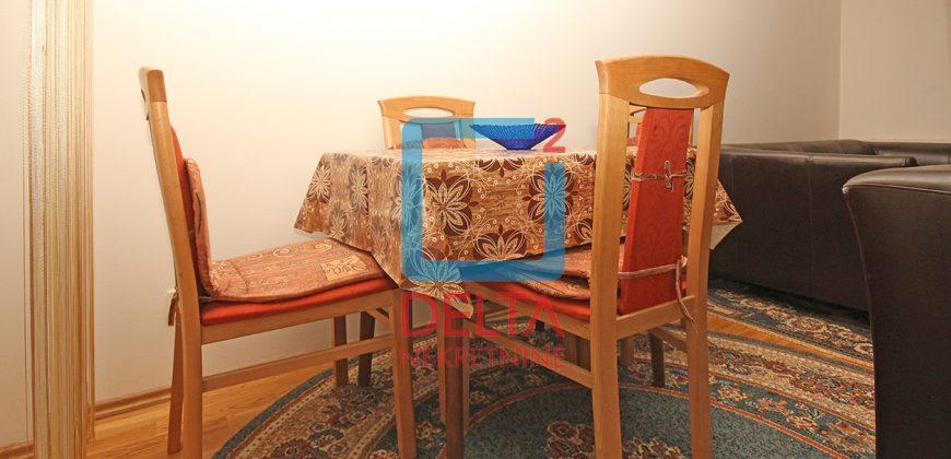 Namješten dvosoban stan, Kovačići