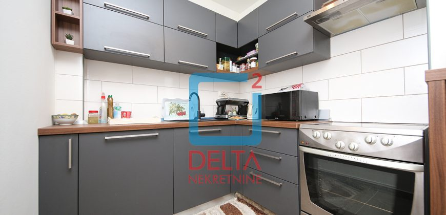 Dvosoban stan / garaža / 50m2 / Stup