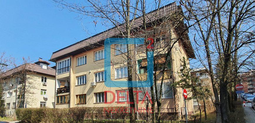 Trosoban stan / 1. sprat / Džidžikovac / Centar