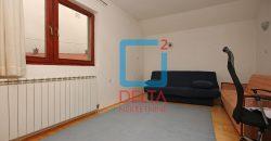 Trosoban stan u privatnoj kući 98m2, Koševsko brdo
