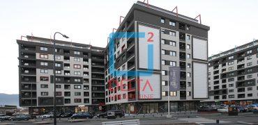 Trosoban stan na 6. spratu, Bulevar / Stup