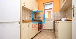Atraktivne kuće na odličnoj lokaciji, Dobrinja / Novi Grad