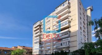 Trosoban stan sa parkingom / 6.sprat / Mejtaš / Centar